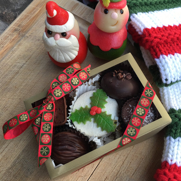 Christmas Themed Gift Box - 6 Piece