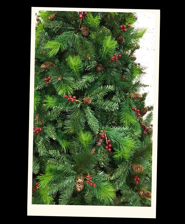 Green Norwegian Spruce Artificial Christmas tree. 6.5ft ...