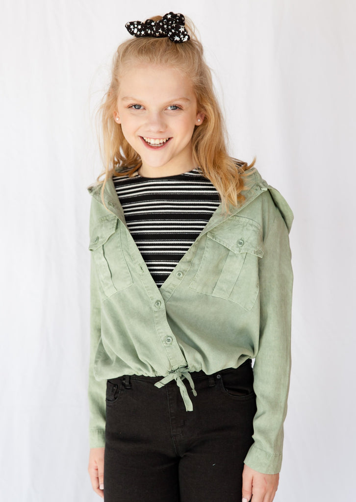 jacket, jackets, girl, girls, tween, teen, youth, young girl, Bella Dahl, young ladies, young  women, Dallas boutique, women's boutique, tween boutique, utility jacket, olive, olive green, tie waist, hoodie, hoody