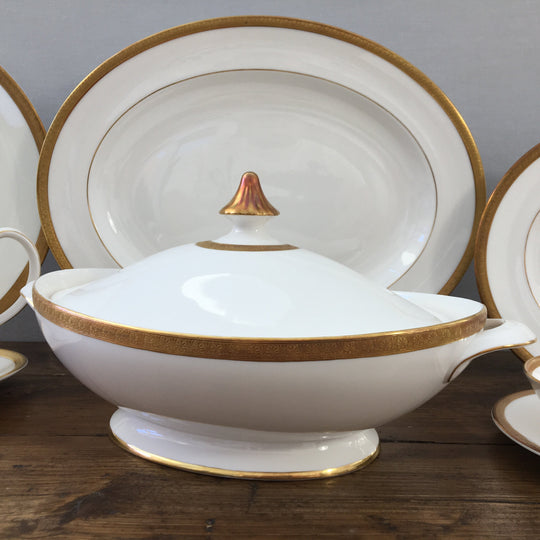 "Royal Doulton ""Royal Gold (H4980)"""