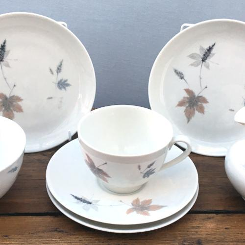 "Royal Doulton ""Tumbling Leaves (TC1004)"""