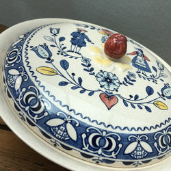 Johnson Bros Hearts & Flowers Covered Serving Dish