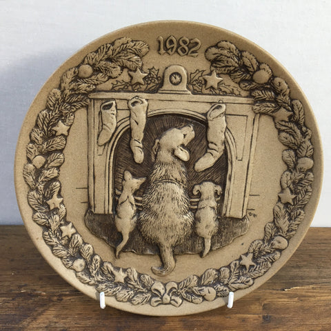 Poole Pottery Waiting For Santa 1982 Christmas Plate