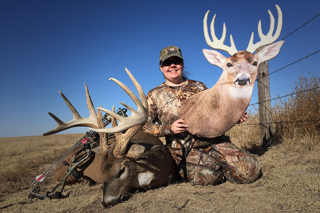 Embracing the Whitetail Lockdown: Heads Up Decoy