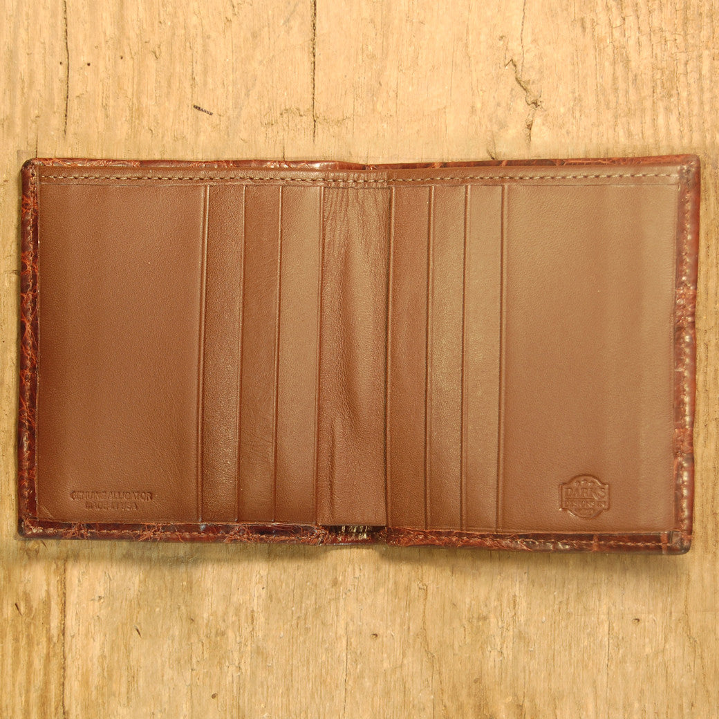 Dark's Leather Compact Wallet in Alligator Brown, Interior