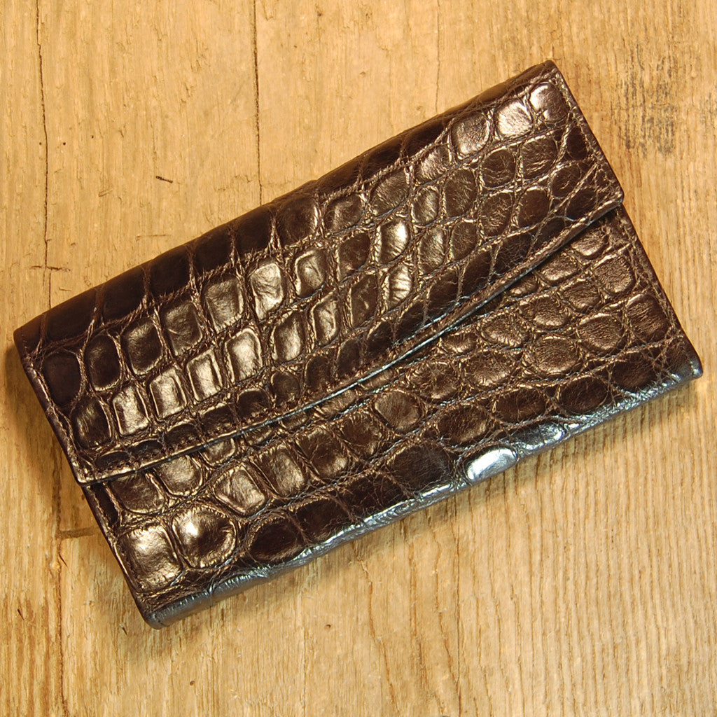 Dark's Leather Credit Card Clutch Wallet in Alligator Black