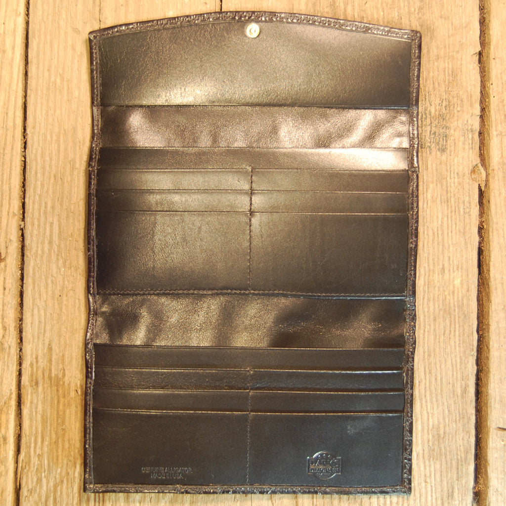 Dark's Leather Credit Card Clutch Wallet in Alligator Black, Interior