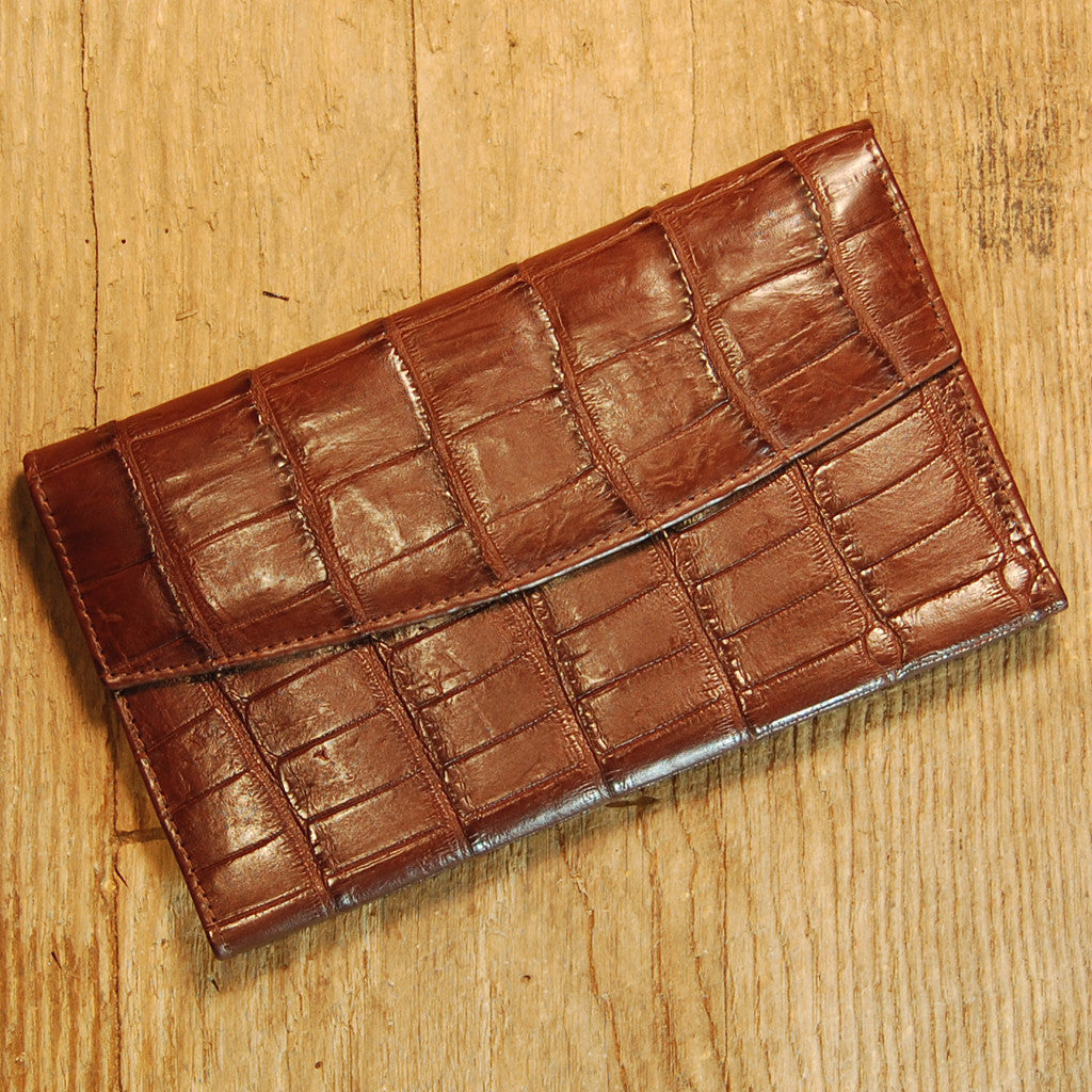 Dark's Leather Credit Card Clutch Wallet in Alligator Brown