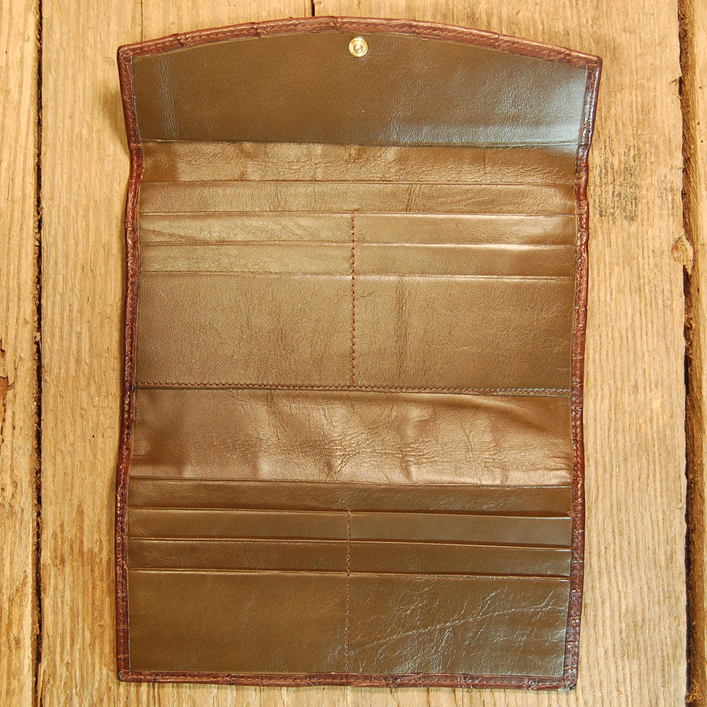 Dark's Leather Credit Card Clutch Wallet in Alligator Brown, Interior