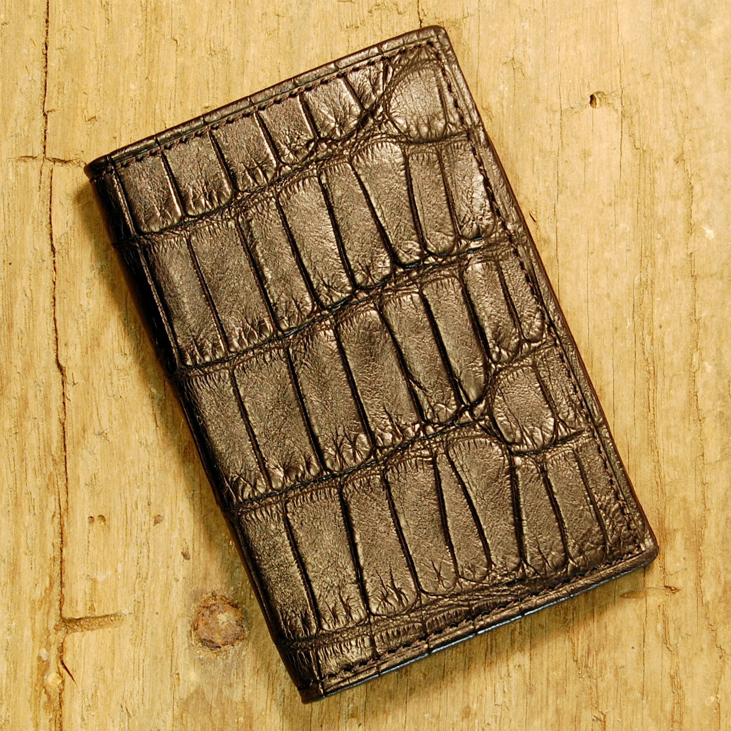 Dark's Leather Gusset Card Case in Alligator Black, Front