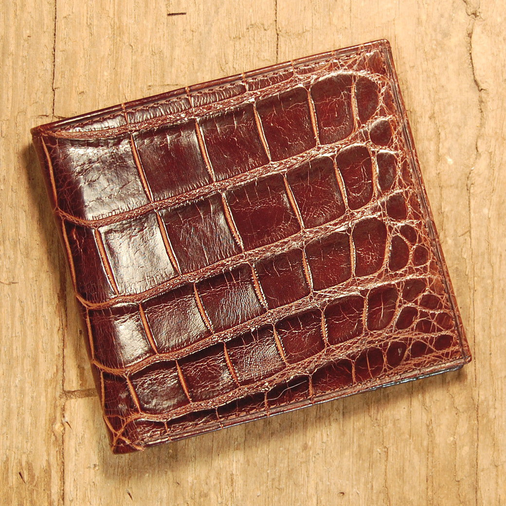 Dark's Leather Hipster Wallet in Alligator Brown, Front