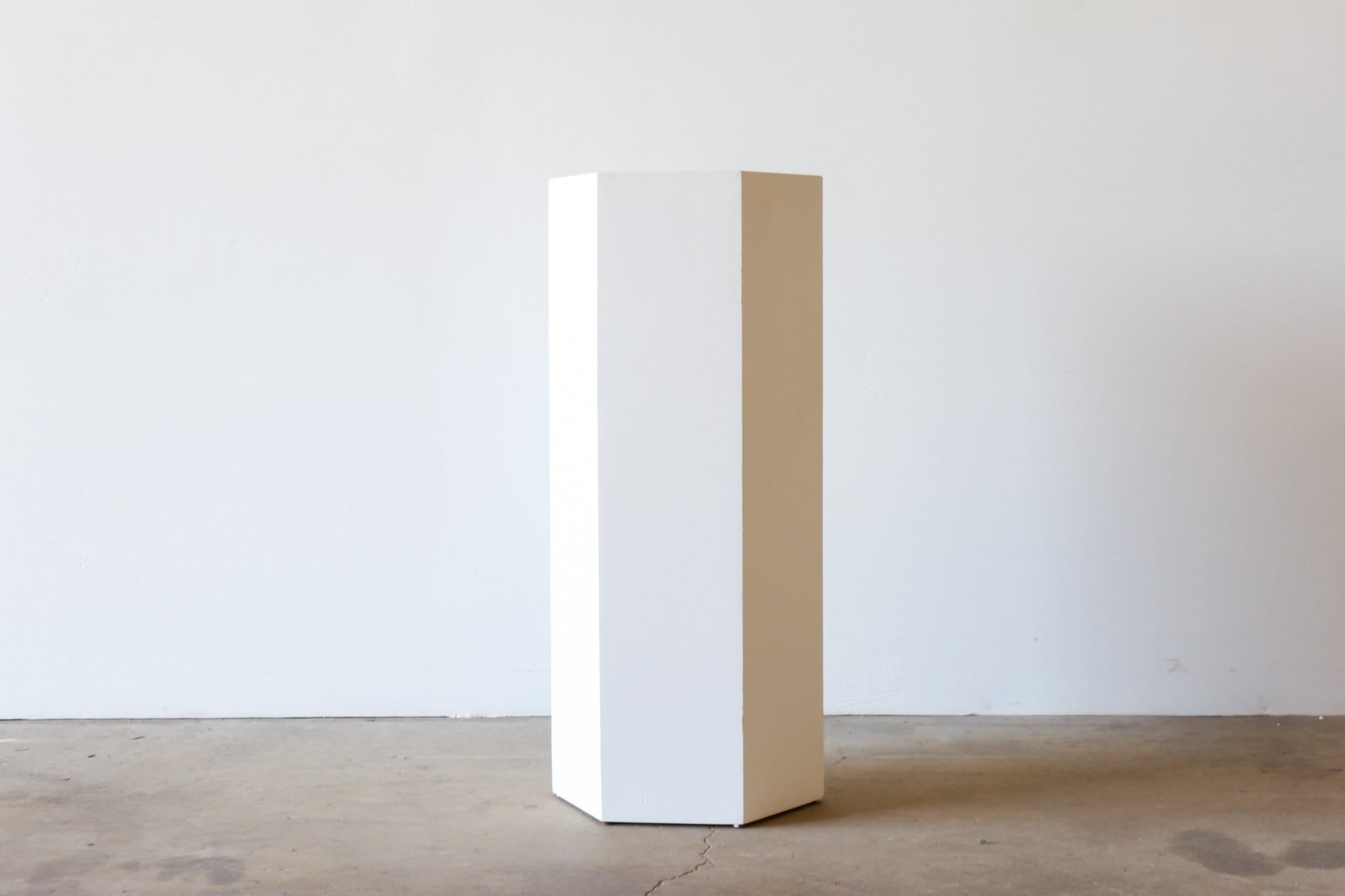BK Plinth - HEXAGONAL WHITE
