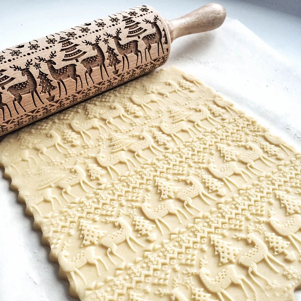 Embossing Wood Rolling Pin - Reindeer - Go Go Kitchen Gadgets