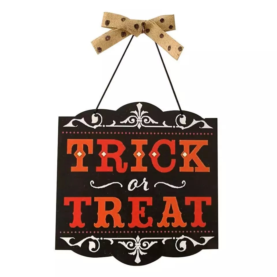 Hanging Trick or Treat Sign - Go Go Kitchen Gadgets