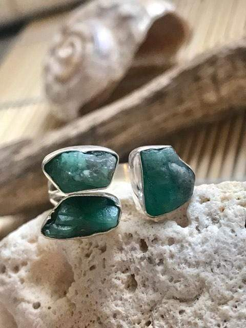 Lucky Three Emerald Gemstone Ring | Desiderate Jewellery