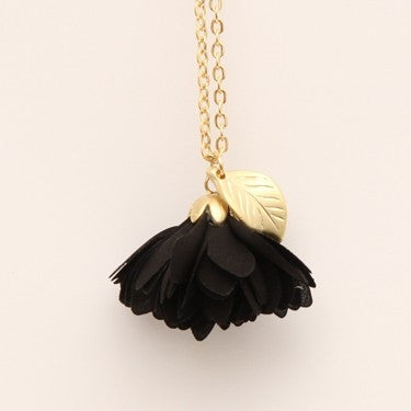 PIGEONHOLE Carnation Mini Pendant Necklace
