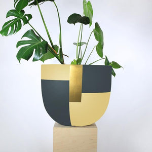 Tuxedo Pot - Toast and honey studio