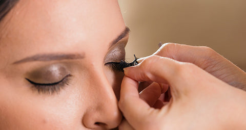 magnetic eyeliner application