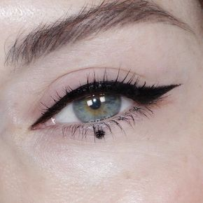 simple dot adhesive liquid eyeliner bali lash