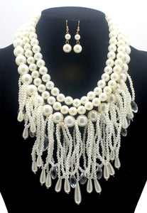 Ma pearl necklace