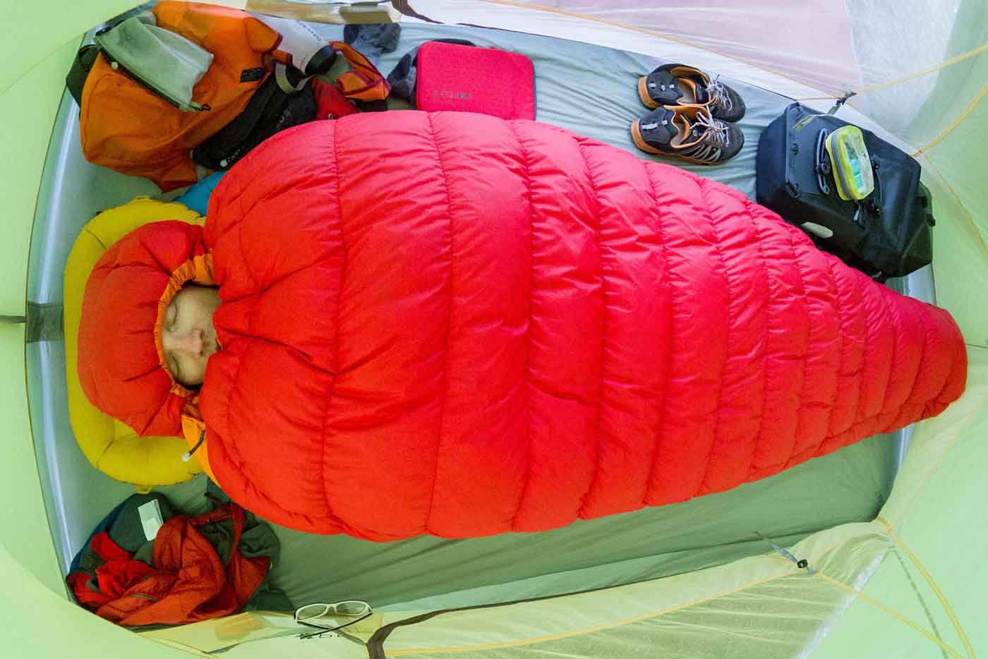 Sleeping comfortably in the outdoors - camp sleep systems