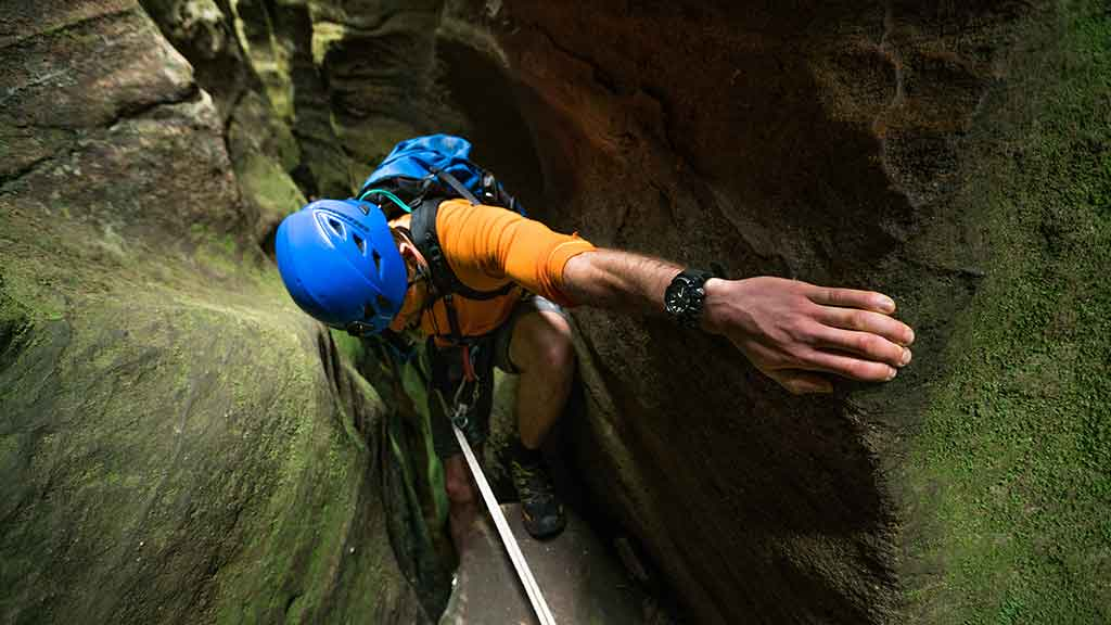 rock climbing helmet buyers guide 6