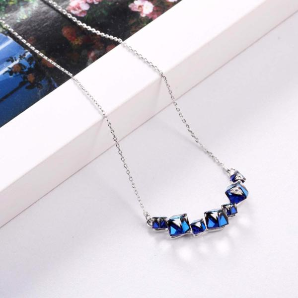 Love Bermuda Blue Pendant Necklace Earrings Box
