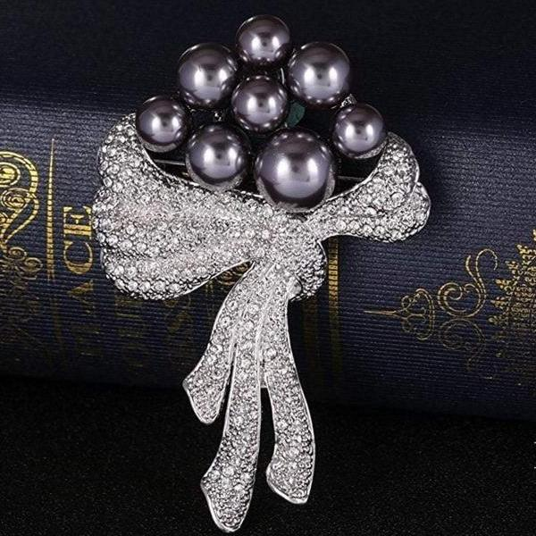 Noble Pearl & Scarf Brooch Gift
