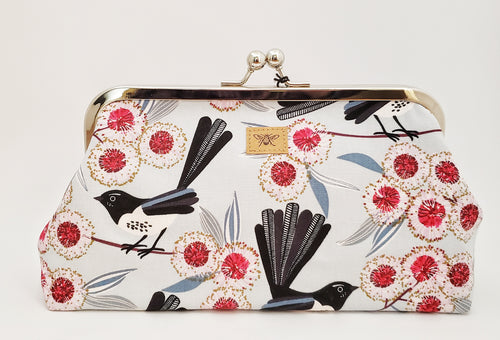 Large Kiss Lock EO Purse