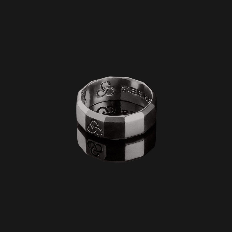 Essential Black Gold Ring-Ring-Seekers Luxury-Seekers Luxury