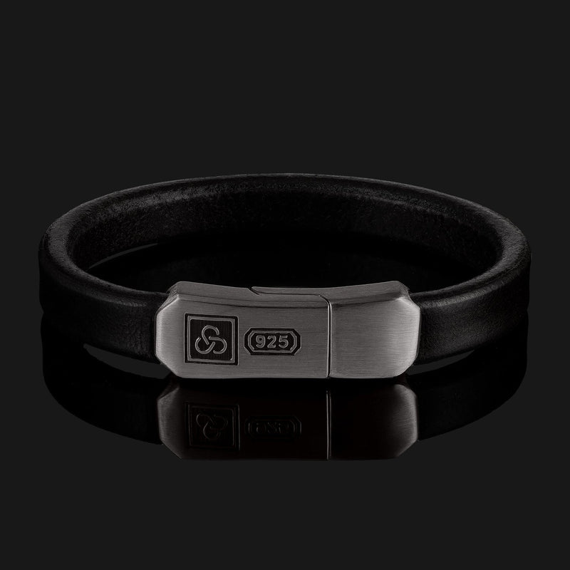 Signature Leather Black Gold Bracelet-Leather Bracelet-Seekers Luxury-XS (6 1/8in - 6 1/2in | 15,5cm - 16,5cm)-Black-Seekers Luxury
