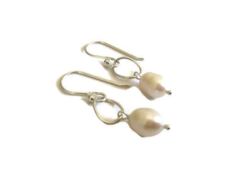 Camila Freshwater Pearl Earrings