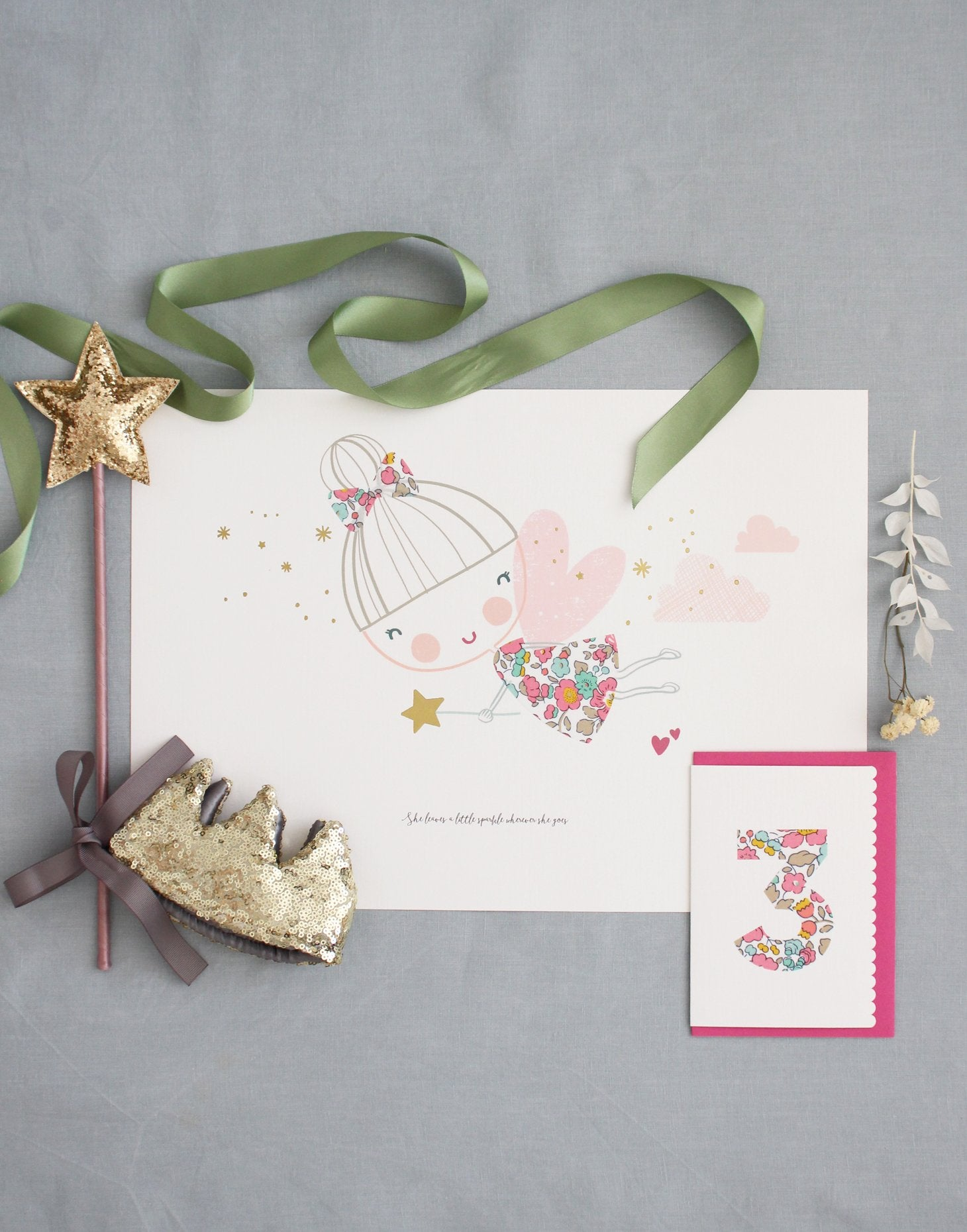 Luxury gift box for girls included Fairy print, wand, sequin crown and birthday card.