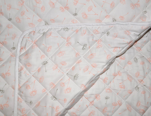 Jimmy Puffin - Cot Quilt - Blowin' in the Breeze - Soft Peach