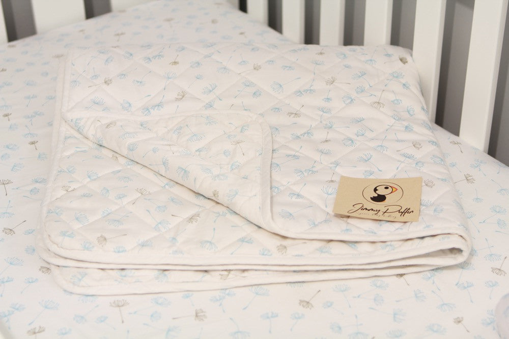 Jimmy Puffin - Cot Quilt - Blowin' in the Breeze - Pale Blue