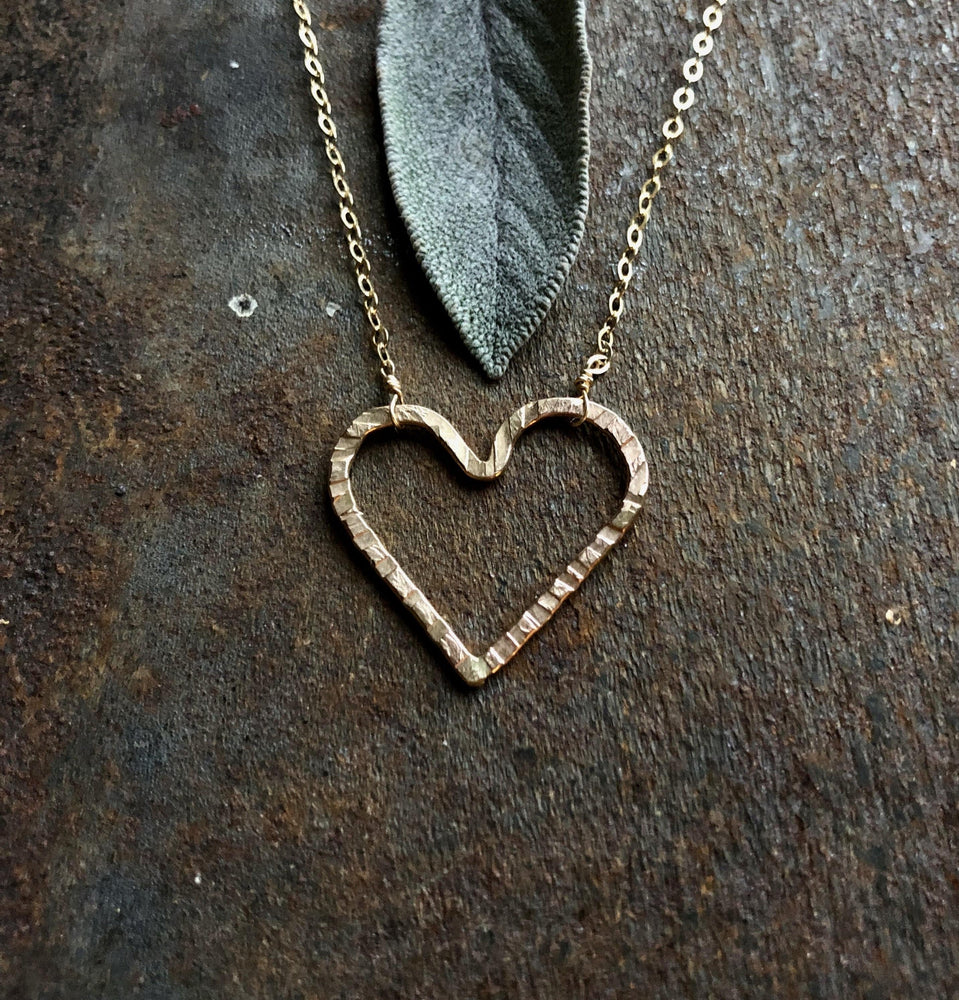 'love' necklace (Gold Fill)