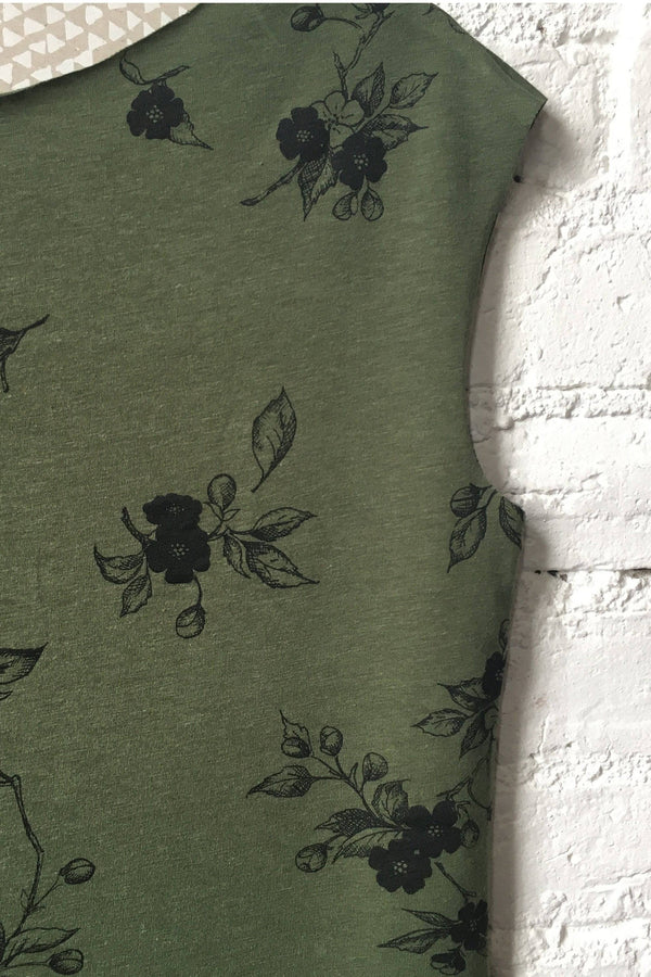 Simple Tee Moss with Apple Blossoms - West Coast Mamas