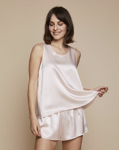 Thera Silk Set in Candy Rosé - Loungewear Set, Pyjama, Silk Pyjama, Nightwear | RADICE