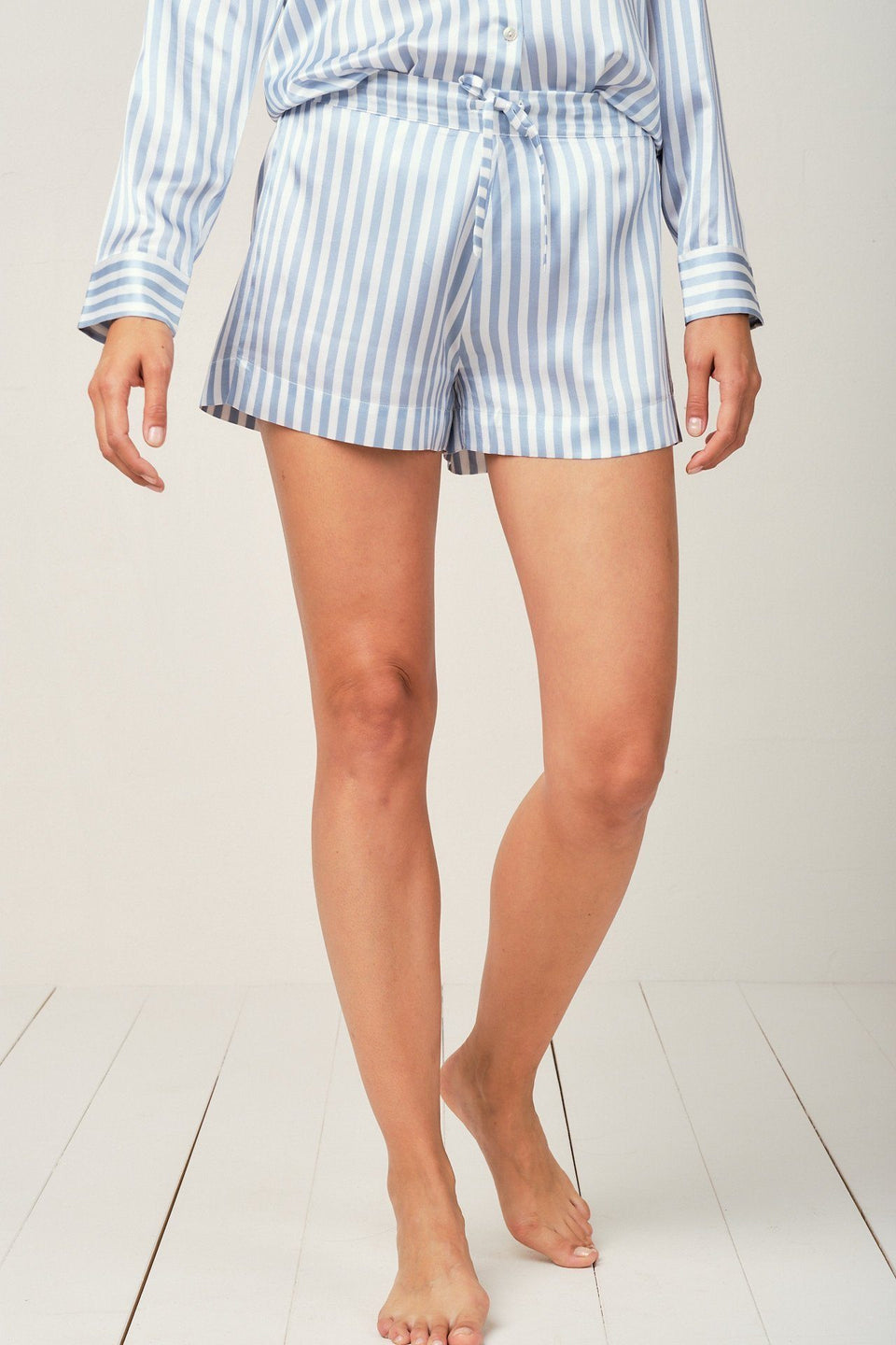 Alexandra Silk Pyjama in Candy Blue Stripes - Short Loungewear, Pyjama, Silk, Seide, Schlafanzug | RADICE