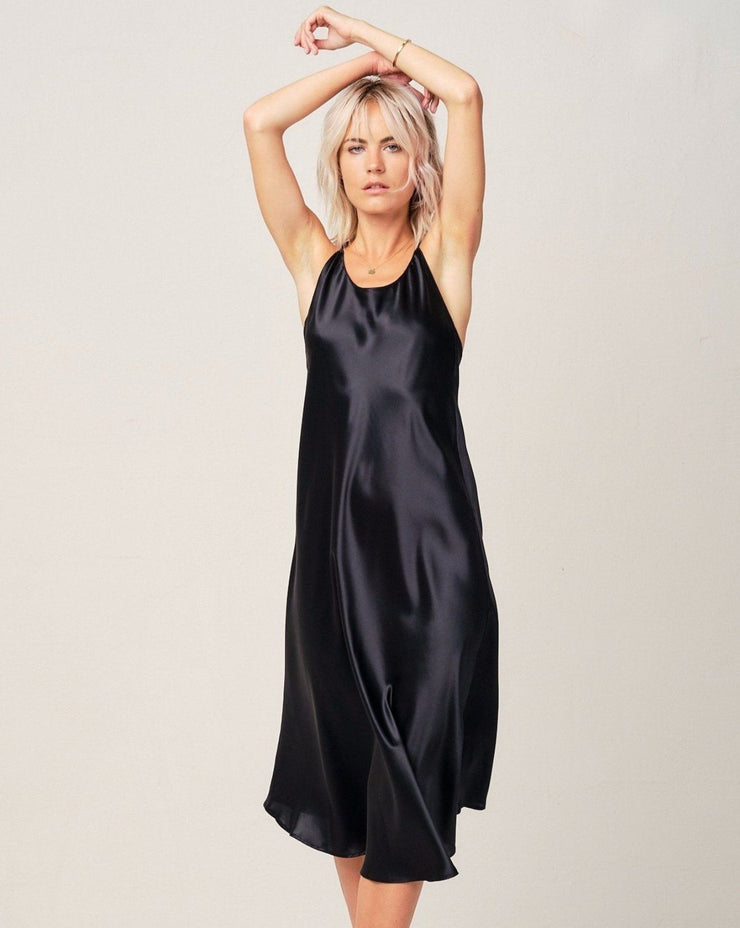 Clara Silk Nightgown in Midnight Black Loungewear, Pyjama, Seidenpyjama, Schlafanzug | RADICE
