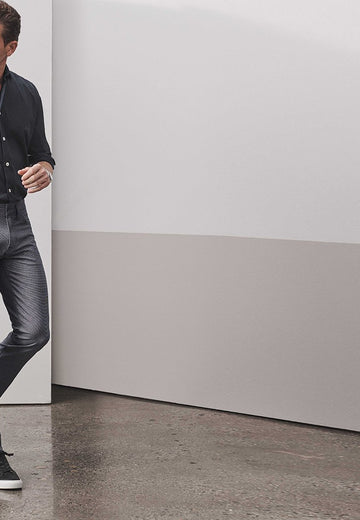 Stay Comfortable and Cool in the Best Men's Lightweight Jeans
