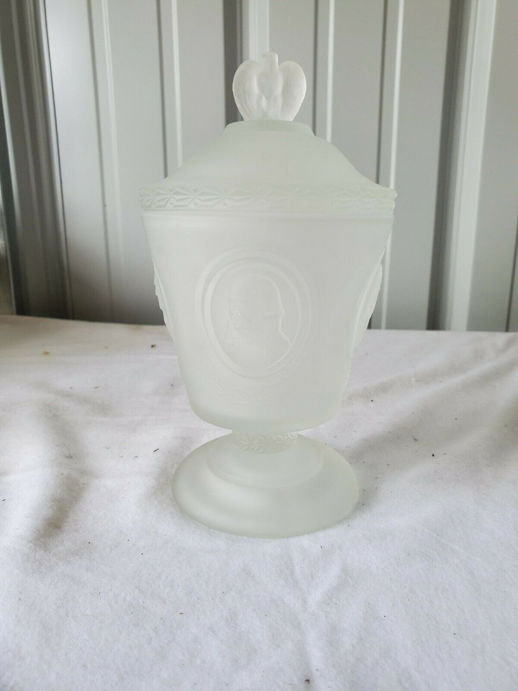 Vintage 1976 Fenton Bicentennial Founding Fathers Frosted Glass Candy Dish