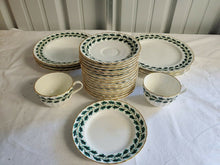 Vintage 26pc Royal Worchester Royal Oak Green Leaf Pattern Dish Set