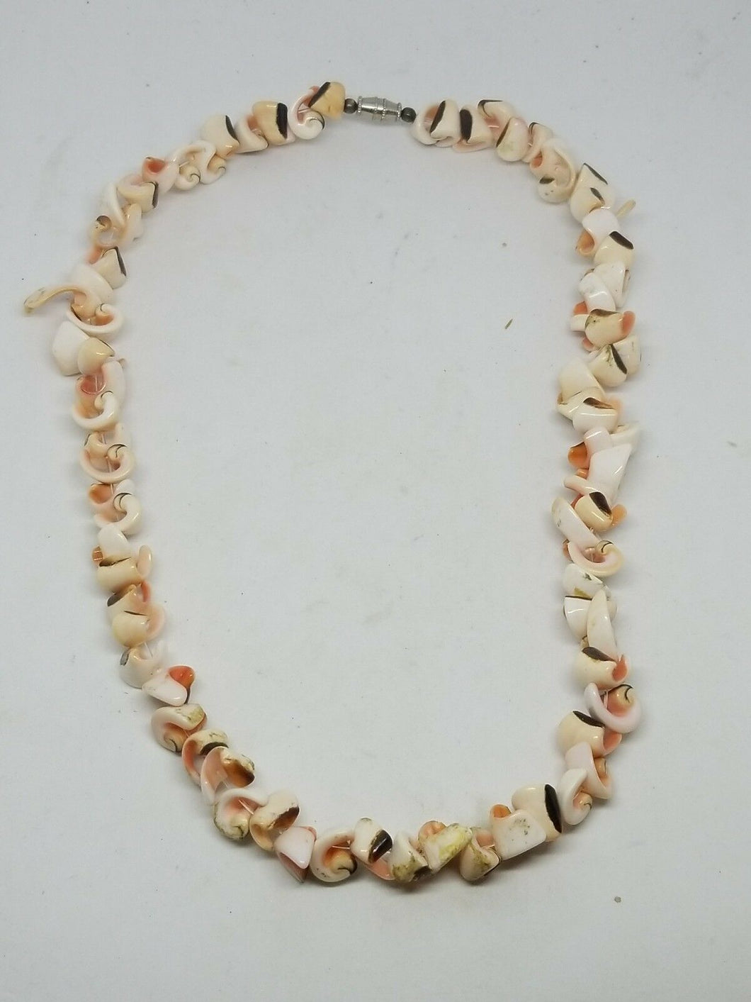 Vintage Natural Pinks Sea Shell Necklace Costume Jewelry