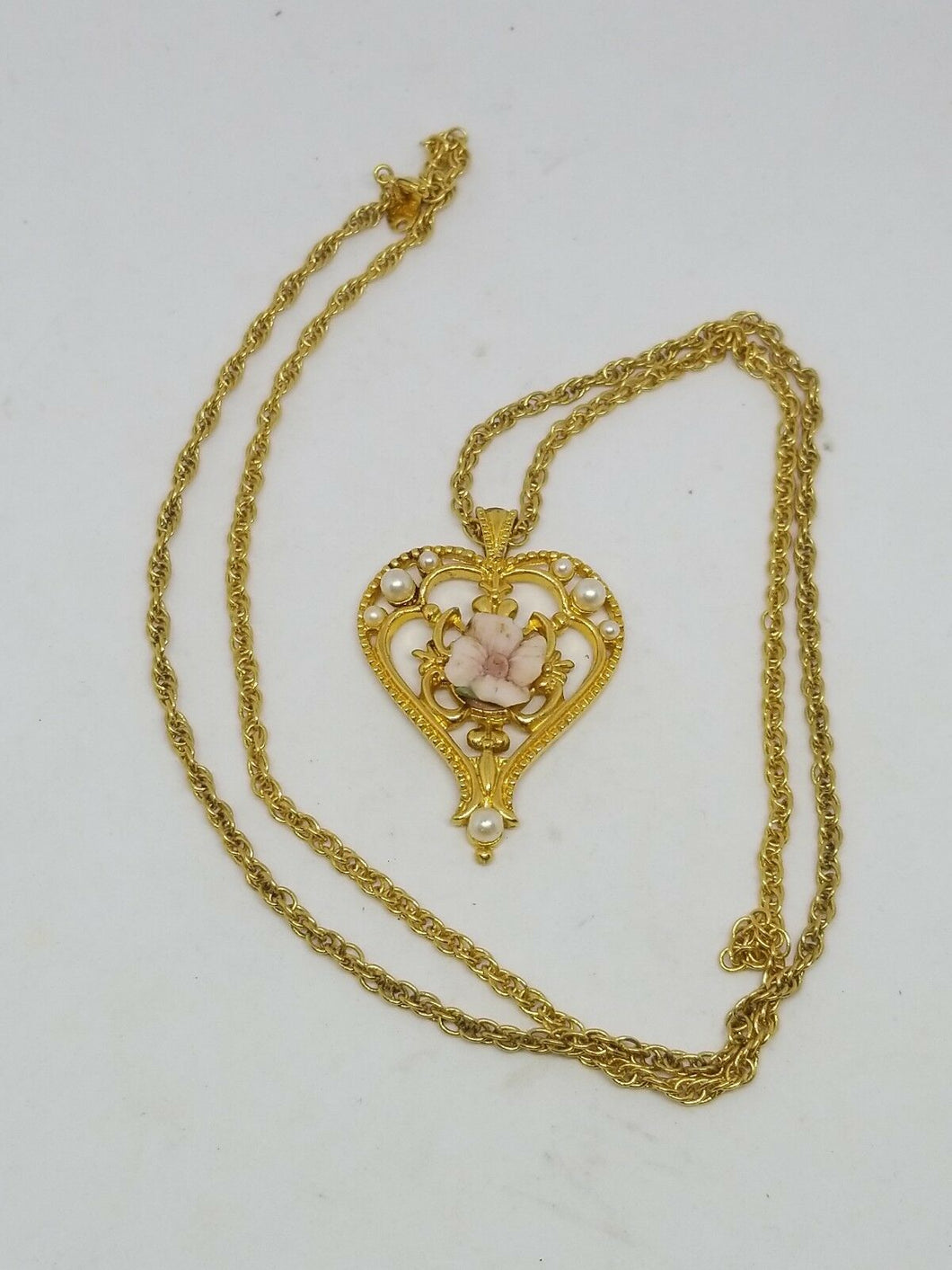 Vintage AVON Signed Designer Gold Tone Rose and Pearl Heart Necklace