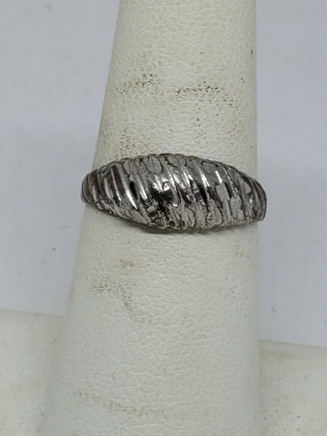 Vintage Sterling Silver Etched Diamond Cut Dome Ring NTM