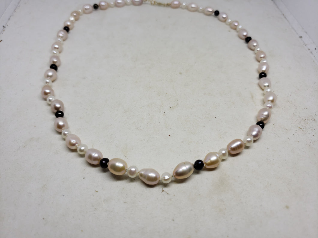 Handmade 14k Yellow Gold Freshwater Pearl Necklace