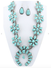 Load image into Gallery viewer, Summerfield Squash Blossom Necklace
