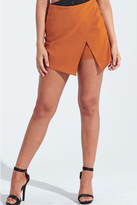 DARE TO WEAR WRAP SKORT