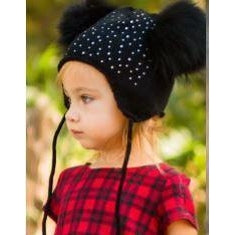 Black double pom pom hat